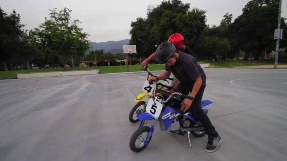 Razor MX350 24-Volt Dirt Rocket Electric Motocross Bike - Walmart com