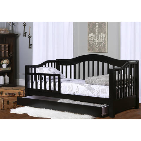 Dream On Me 652 Toddler Day Bed Looks Like A But Is Designed Low To The Floor For Your Toddlers Convenience Features Include Removable Safety
