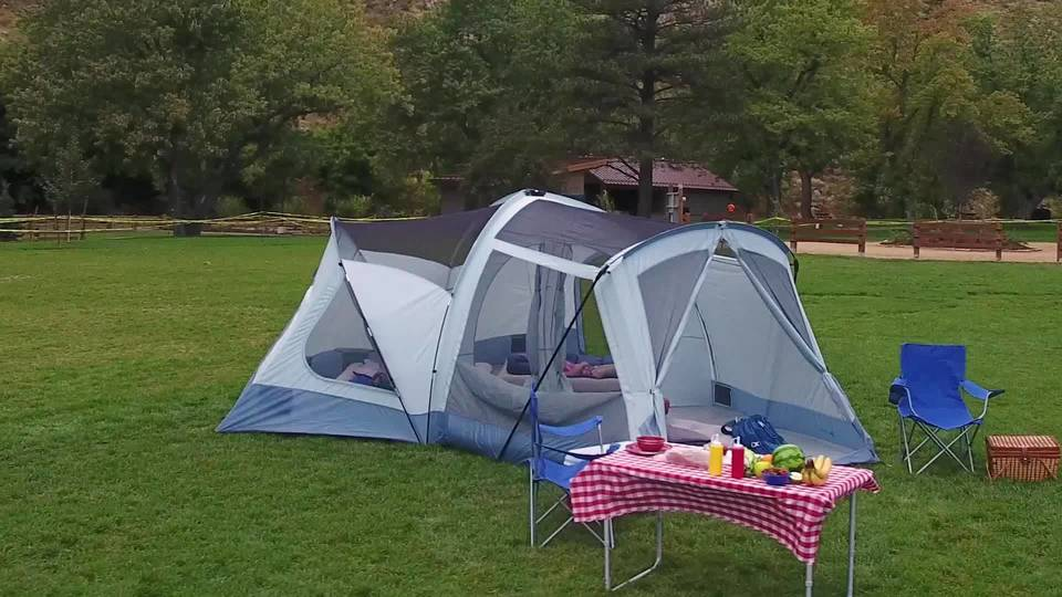 & Ozark Trail 18u0027 x 18u0027 Family Tent Sleeps 14 - Walmart.com